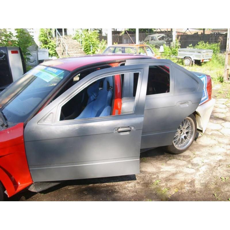 BMW E36 Sedan - fiberglass doors