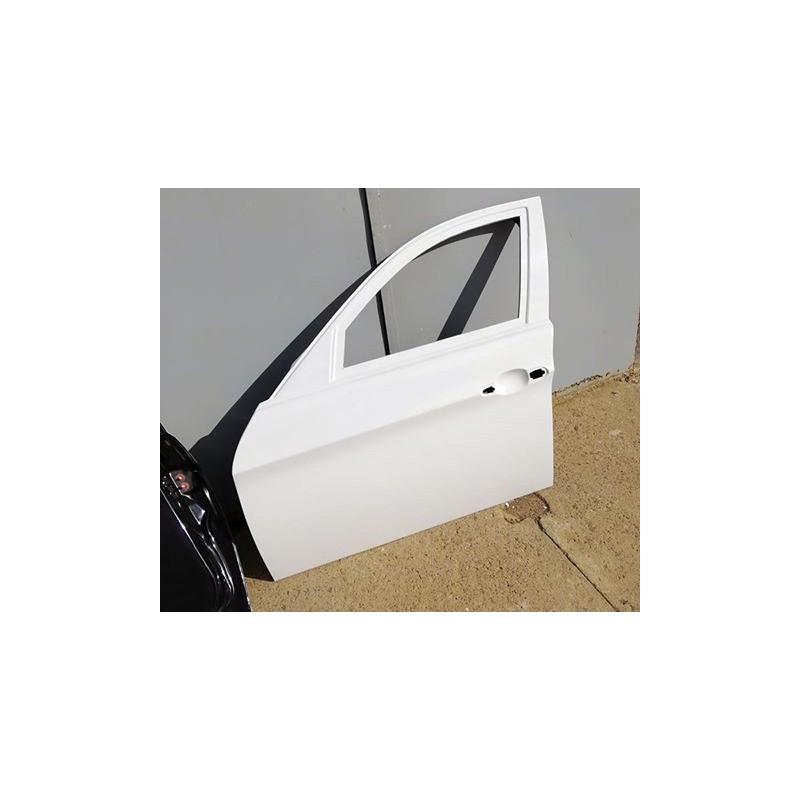 BMW E90 4d sedan - fiberglass doors with integrated Porsche door cards