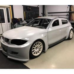 Lightweight FRP BMW E87 1 seiries wide front fenders